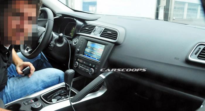 2016-Renault-Koleos-SUV-155