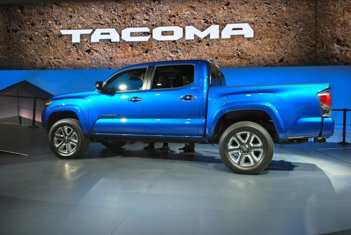 Toyota_Tacoma_Live02