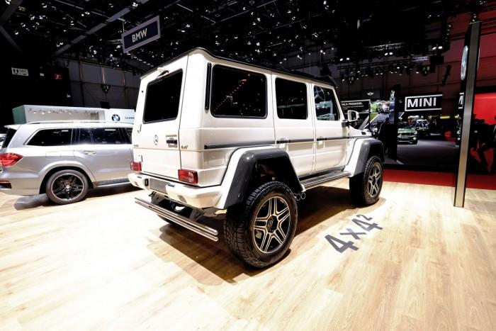 Mercedes-Benz-G500-4x4-2