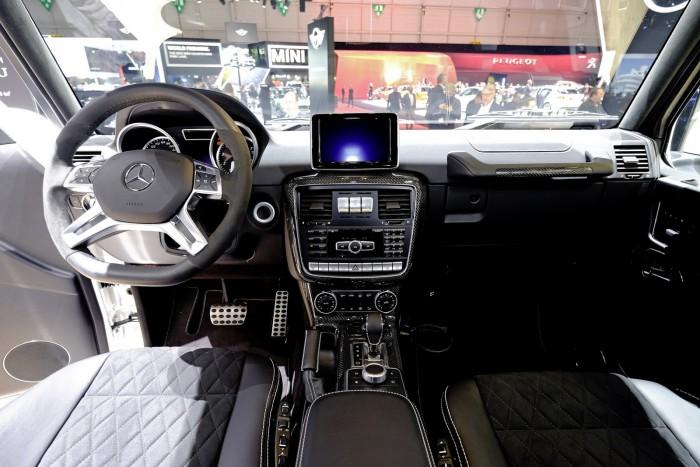 Mercedes-Benz-G500-4x4-5