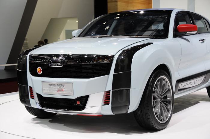 2015-Qoros-2-SUV-02