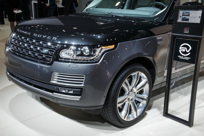 2016-Range-Rover-SVAutobiography-11
