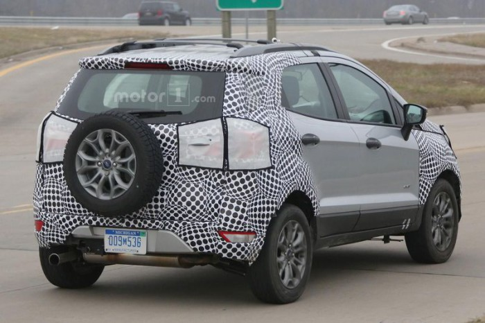 ford-ecosport-facelift-spy-photo (1)