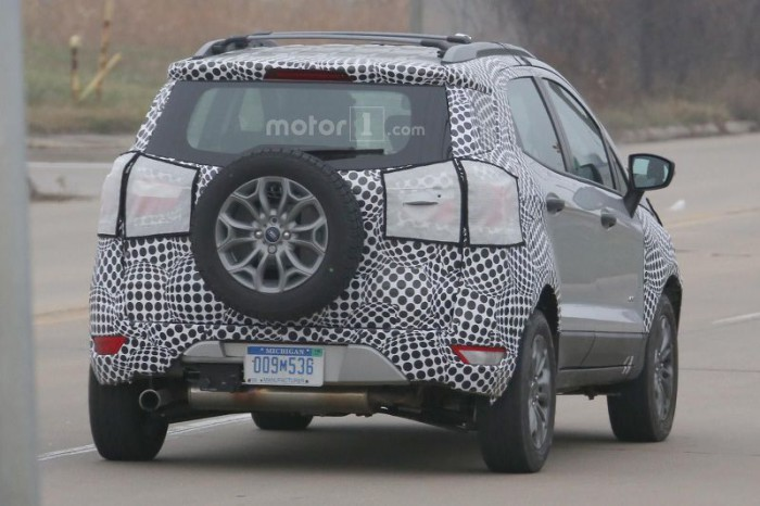 ford-ecosport-facelift-spy-photo (4)