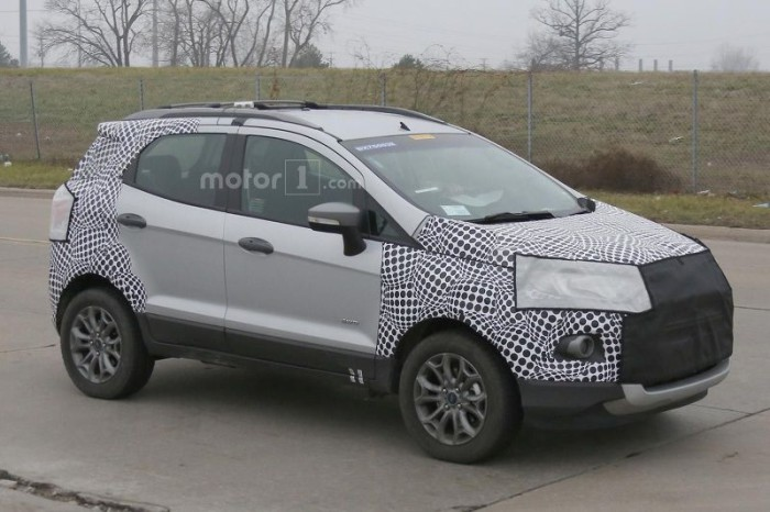 ford-ecosport-facelift-spy-photo (5)