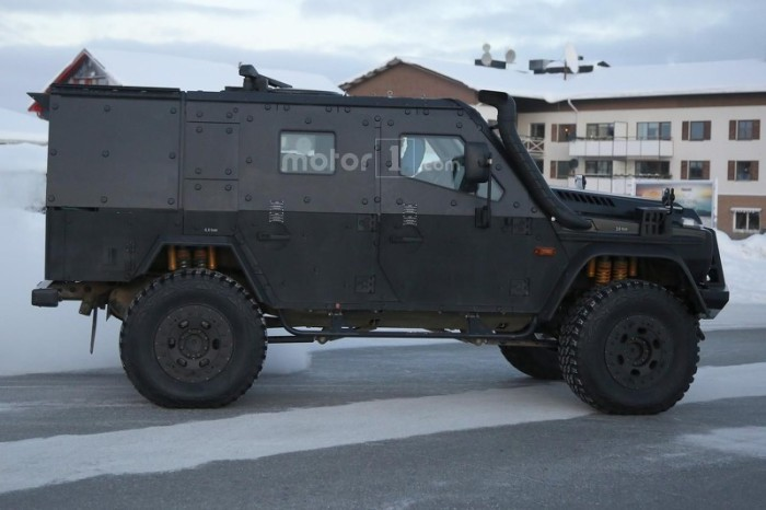 mercedes-g-class-light-armored-patrol-vehicle-spy-photo (3)