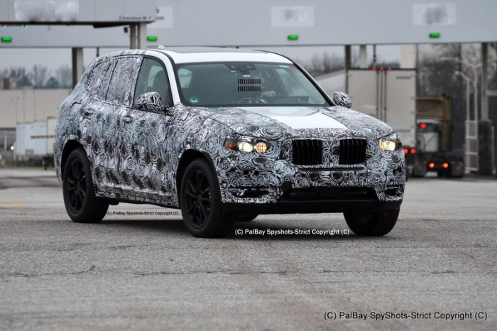 2017-bmw-x3-m40i-spy-photo