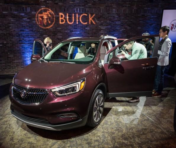 2017-Buick-Encore-7