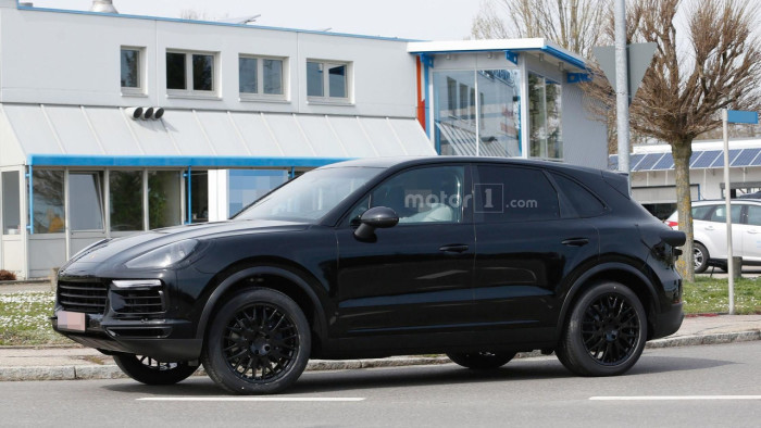 2018-porsche-cayenne-spy-photo (2)