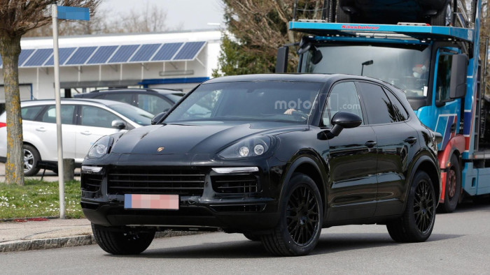 2018-porsche-cayenne-spy-photo