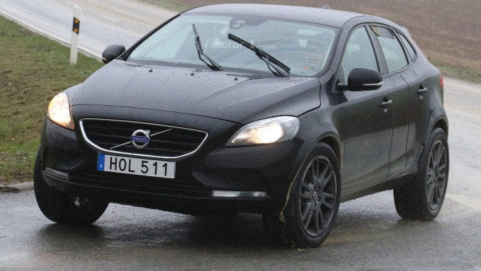 volvo-xc40-spy-photo (2)