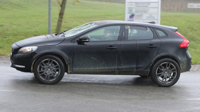 volvo-xc40-spy-photo (3)