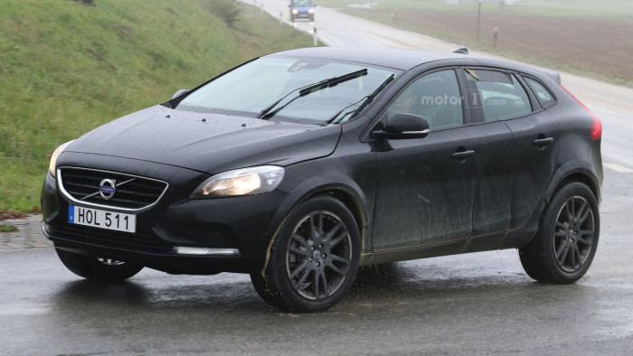 volvo-xc40-spy-photo