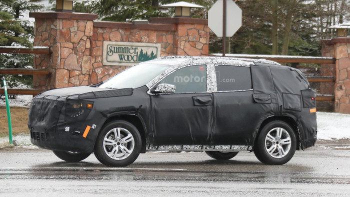 2018-gmc-terrain-spy-photo (2)