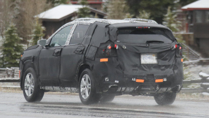 2018-gmc-terrain-spy-photo (3)