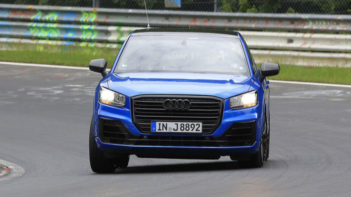 2017-audi-sq2-spy-photo (4)