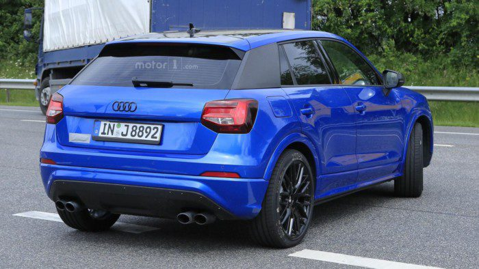 2017-audi-sq2-spy-photo (6)