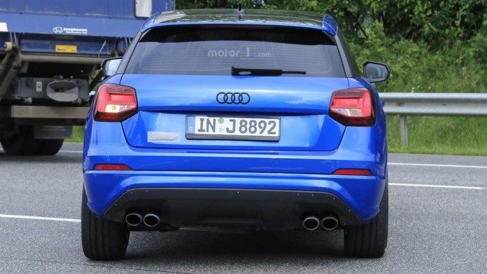 2017-audi-sq2-spy-photo (7)