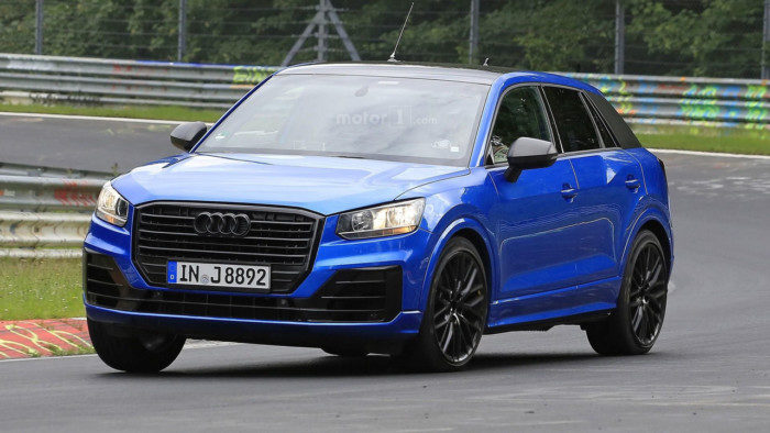 2017-audi-sq2-spy-photo