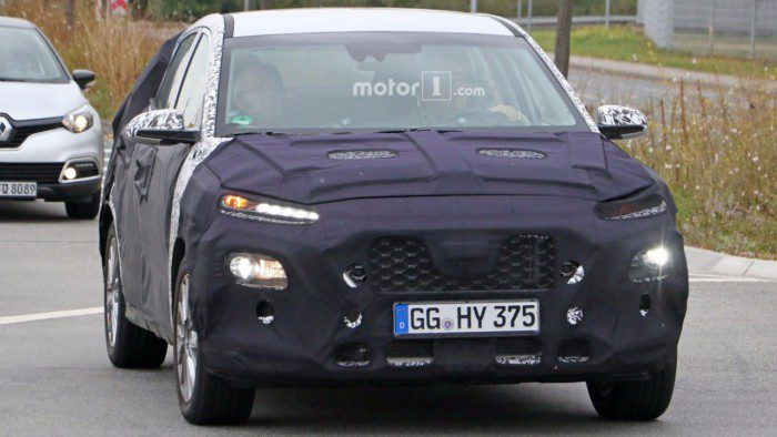 2018-hyundai-subcompact-crossover-spy-photo-1