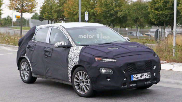 2018-hyundai-subcompact-crossover-spy-photo-2