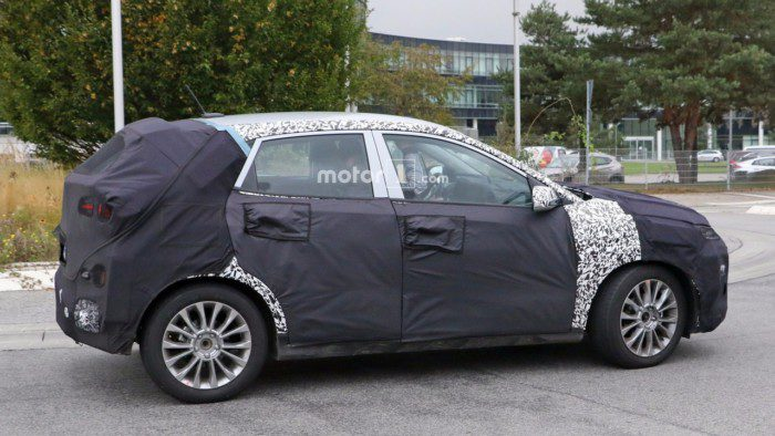 2018-hyundai-subcompact-crossover-spy-photo-3