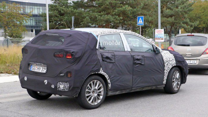 2018-hyundai-subcompact-crossover-spy-photo-4
