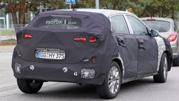 2018-hyundai-subcompact-crossover-spy-photo-5