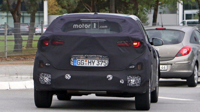 2018-hyundai-subcompact-crossover-spy-photo-6