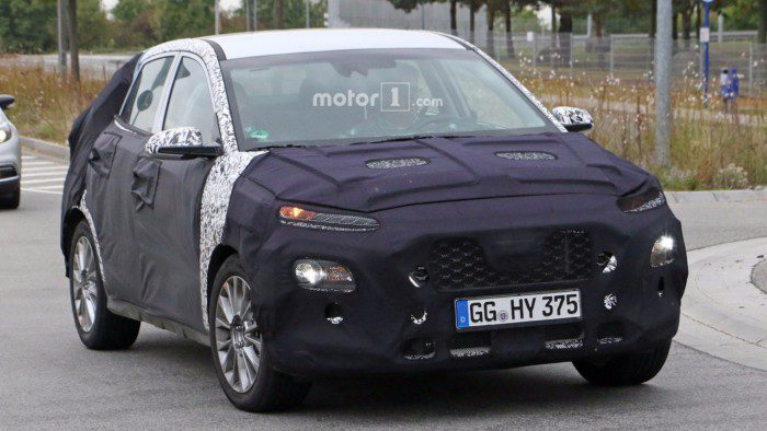 2018-hyundai-subcompact-crossover-spy-photo