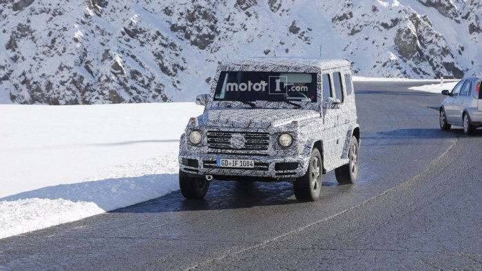 2018-mercedes-g-class-spy-photo-1