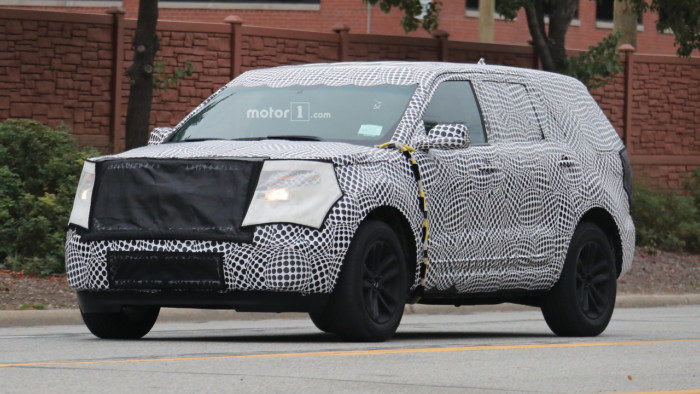 2019-ford-explorer-spy-shots