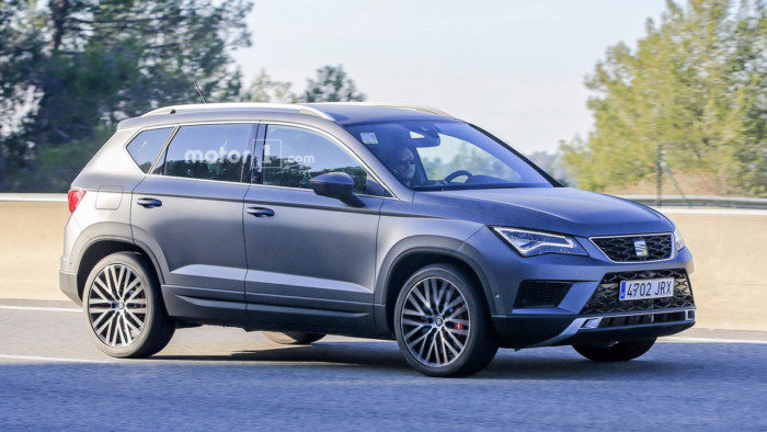 seat-ateca-cupra-spy-photo-2